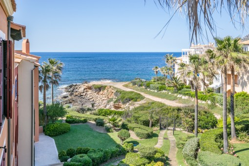 Wonderfully beautiful penthouse on the first sea line in Betlem