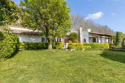 Villa close to village and in very good condition in Valldemossa