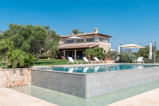 Sophisticated finca property in an exceptional location in Ses Salines