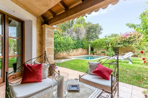 Wonderful house including furnishings in the lovely historic village of Ses Alquieres