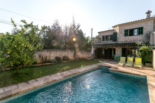 Bright semi-detached house with pool and views of the Tramuntana mountains in picturesque Ses Alqueries