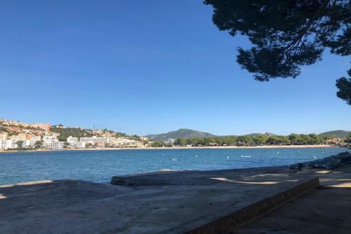 Beautiful hideaway apartment with direct sea access in Santa Ponsa