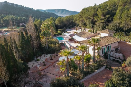 Exquisite country house surrounded by beautiful landscaped gardens in Capdepera