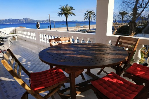 Renovated apartment with fantastic sea views on the beach of Port Pollenca