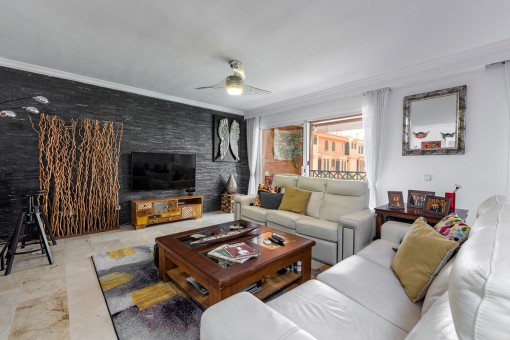 Beautiful renovated 3 bedroom duplex above Port Adriano