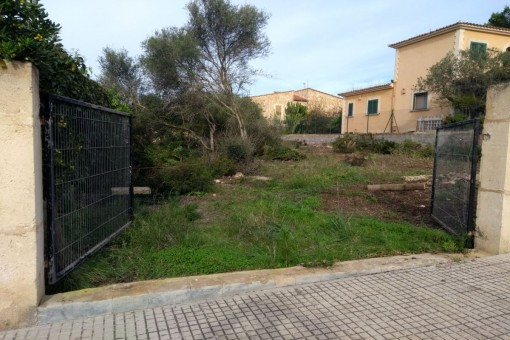 Building plot in Sa Rapita a few metres from the sea with an existing construction project