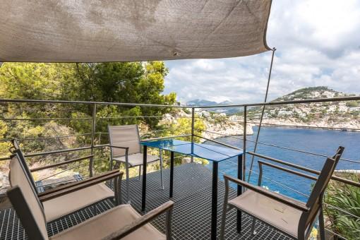 Studio-apartment on the 1st sea line with direct sea access on La Mola, Puerto de Andratx