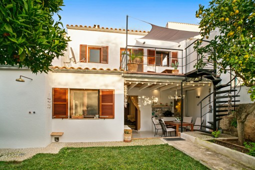 Completely restored town house with garden in a quiet location in Capdepera only 2 km from the beach
