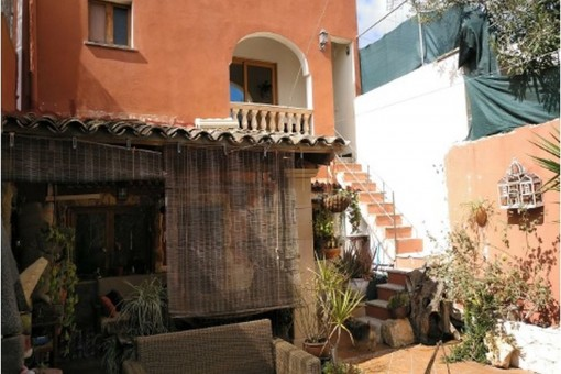 Charming village house with patio and parking in Llucmajor