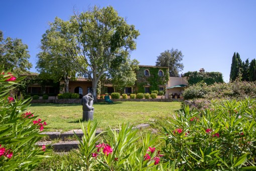 Authentic Mallorcan country house close to Cas Concos on a large plot with absolute privacy