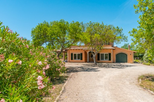Charming finca at the foot of a hill in Llucmajor