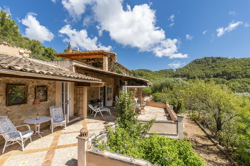 Wonderful finca with enchanting views of the...