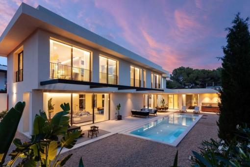Newly-constructed, modern villa in a desirable location in Nova Santa Ponsa