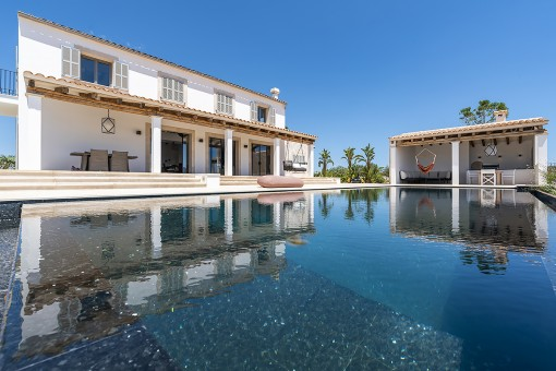 Spectacular new built finca with pool and...
