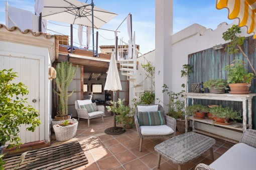 Impressive penthouse with 4 bedrooms and roof...