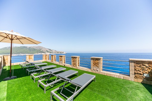 Fantastic property with unique sea views in Cala Ratjada - investment object with touristic rental licence
