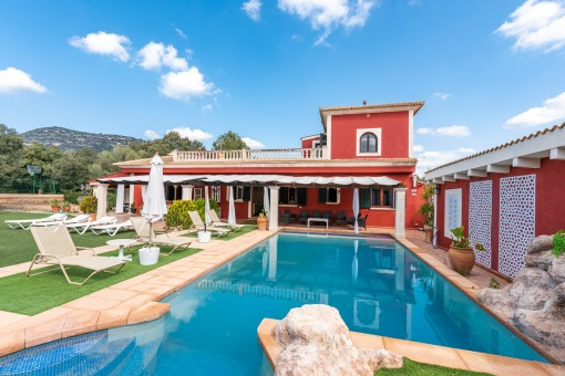 Finca with tennis court and touristic rental licence in Llucmajor